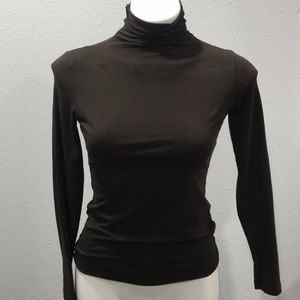 Caslon turtle neck